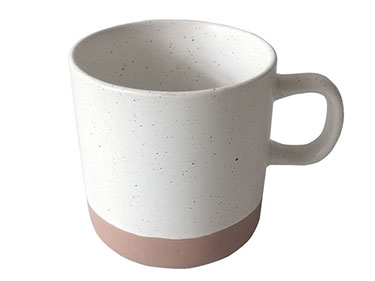 Wholesale ceramic embossed mugs european honeycomb mugs with wooden handle lovers coffee cups
